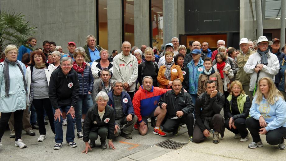 De nombreux participants venus de Cavalaire et des communes alentours réunis pour deux heures de promenade.