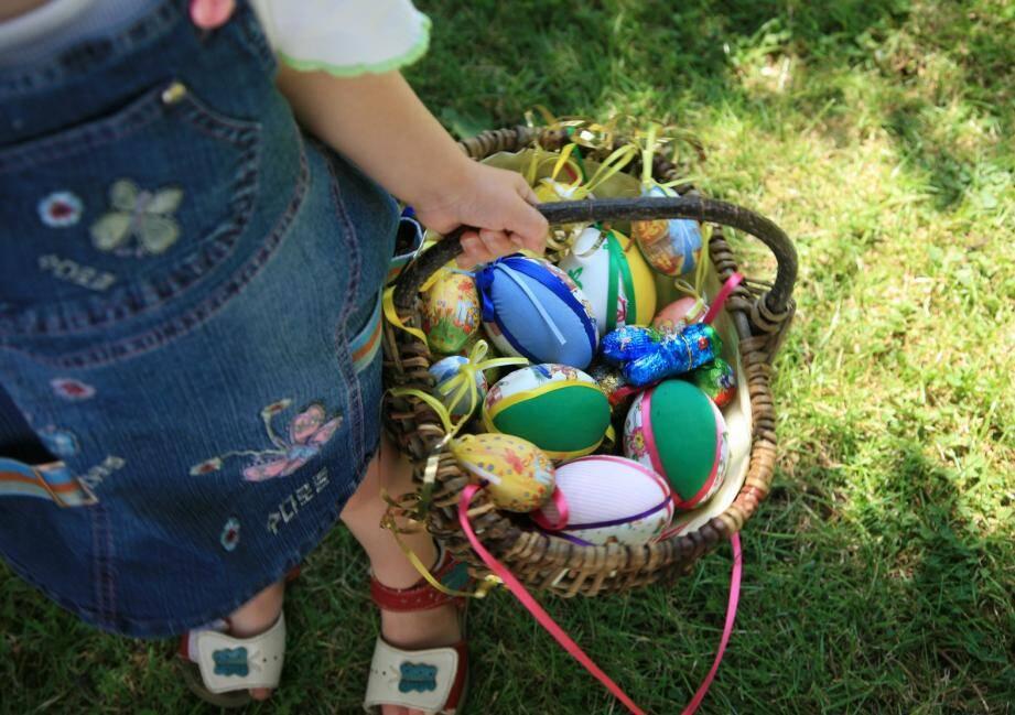 Après midi de Chasse aux œufs sur inscriptions le matin de la fête du Printemps.