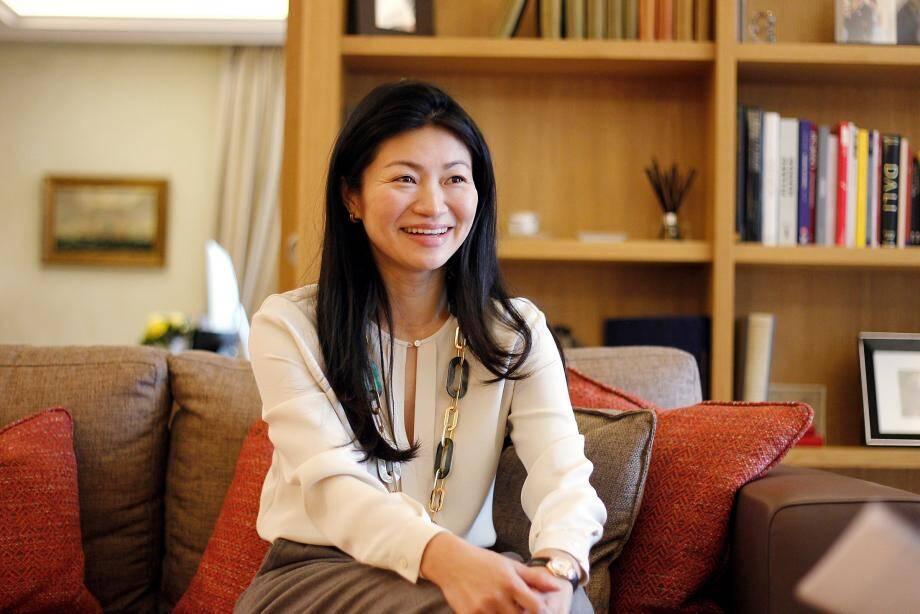 Mayu Wittouck est l'initiatrice du projet Rouge et Blanc qui entend aider des associations caritatives.