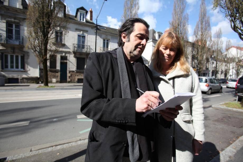 Jean-Michel Laurence et Béatrice Fonteneau ont tout répertorié avec beaucoup de minutie. Des clés laissées dans le compteur électrique à la disposition de proches chargés de vider la maison du 55, boulevard Schuman. De la conférence de presse du procureur au tribunal jusqu'aux obsèques de la famille de XDDL à l'église Saint-Félix.