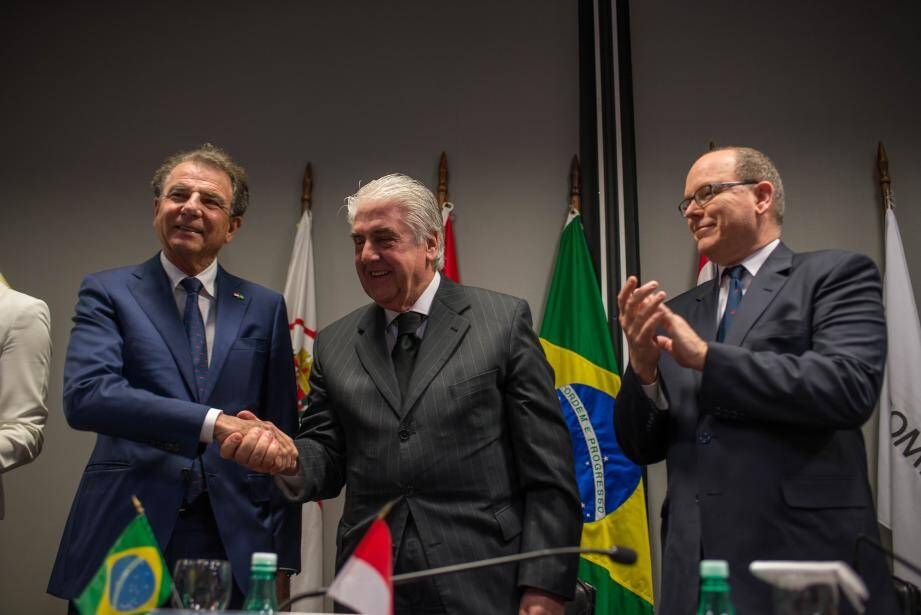 Le vice-président de la Fecomercio de São Paulo et le président de la Monaco Chamber of Commerce, Michel Dotta, ont signé un accord de coopération.
