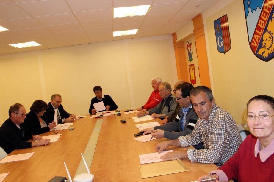 Les membres du SIV réunis pour le budget 2016.