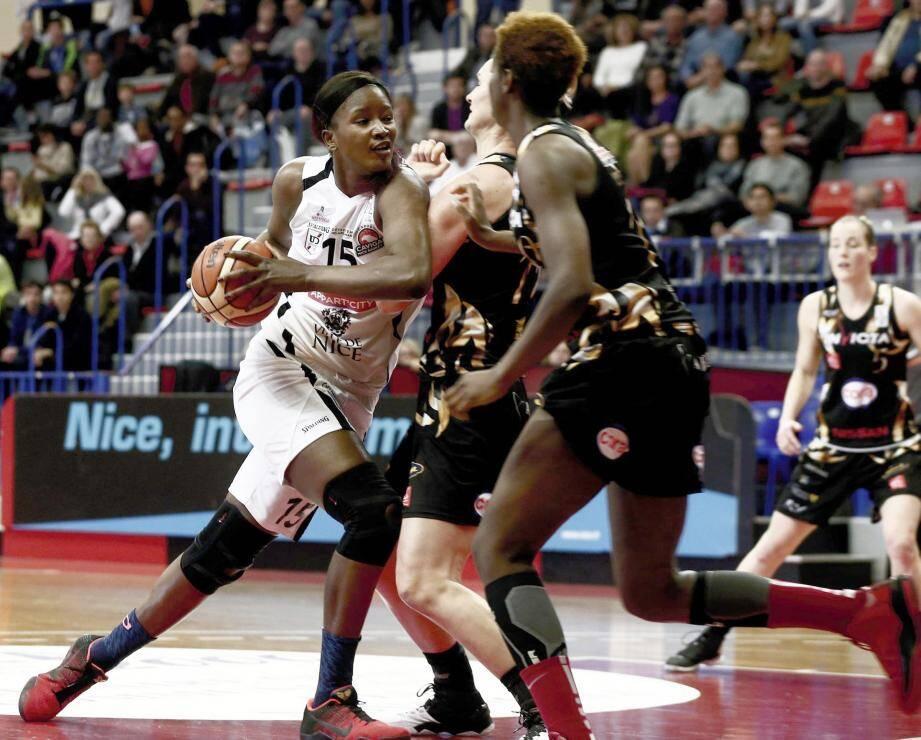 Les Niçoises ont encaissé un 24-6 en début de rencontre.
