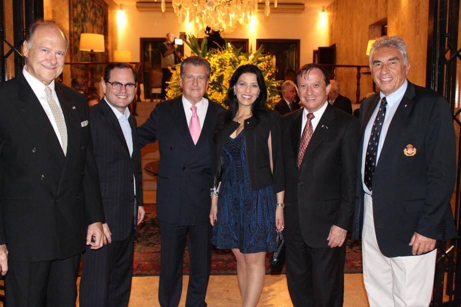 Le Yacht-club de São Paulo a accueilli la délégation du Monaco Economique Board à l'occasion d'un dîner de gala. Ici, les patrons des deux yacht-clubs et les consuls de Monaco au Brésil et du Brésil à Monaco.