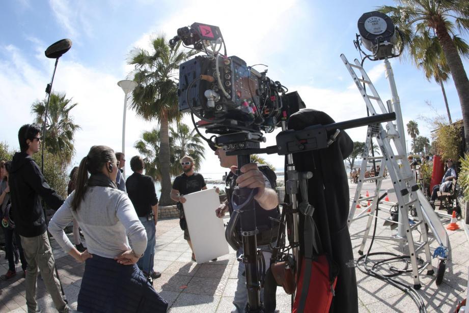 Les tournages de séries TV s'enchaînent sur la Côte d'Azur. Avec « Riviera » à Nice dont le tournage commence en juin et « Section de recherches » à Grasse, elles sont même deux à demeure toute l'année.