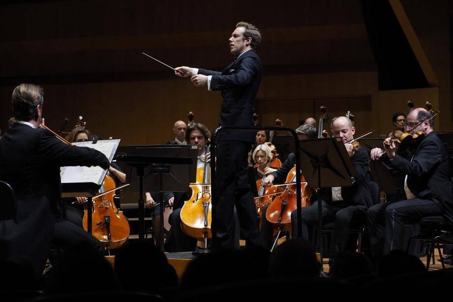 Sous la direction de l'extraordinaire chef Daniel Harding, le Philharmonique de Monte-Carlo est allé au-delà de ses limites.