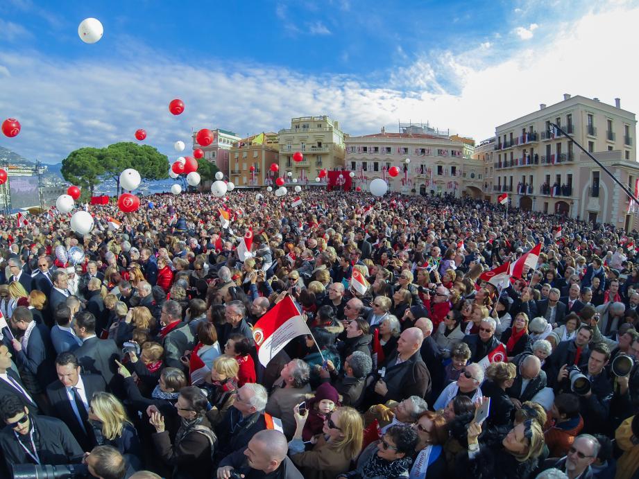 Lors du dernier recensement effectué à Monaco, en 2008, 35 113 personnes résidaient en Principauté. Le chiffre dépassera très certainement les 38 000 habitants en 2016.
