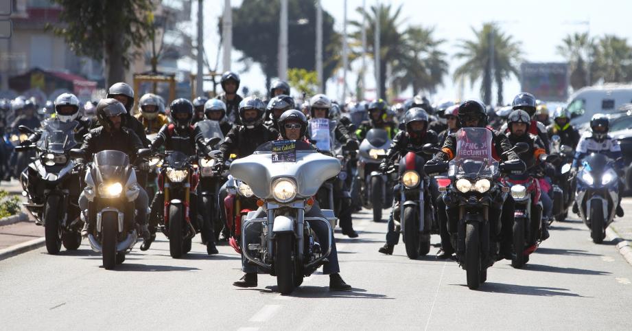Plusieurs centaines de motards venus de tout le département ont convergé hier midi vers Cagnes-sur-Mer.