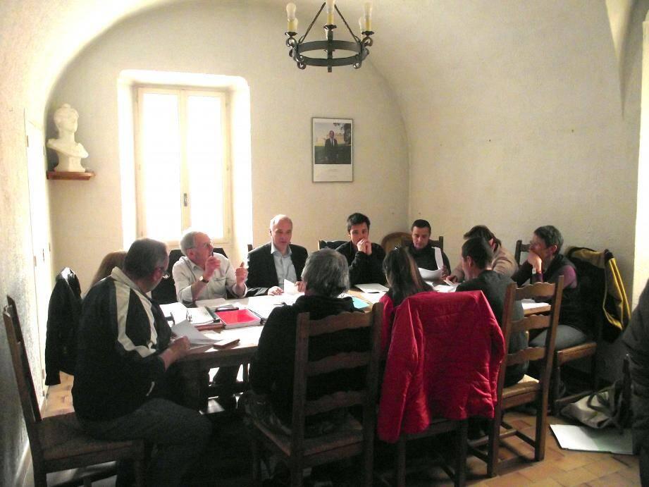 Le conseil municipal de Guillaumes a planché sur le budget.