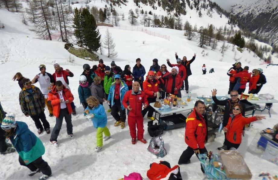 Barbecue party pour les jeunes du Ski club de Grasse à Isola 2000.