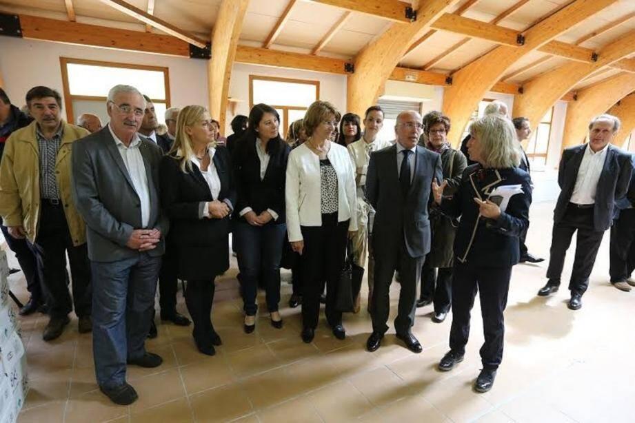Le président du conseil départemental, Eric Ciotti est venu hier assister au lancement des travaux de la nouvelle salle de sport au collège Saint-Blaise, en présence des élus.