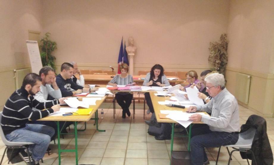 Le conseil municipal a décidé que les taxes d'imposition locales n'augmenteront pas.