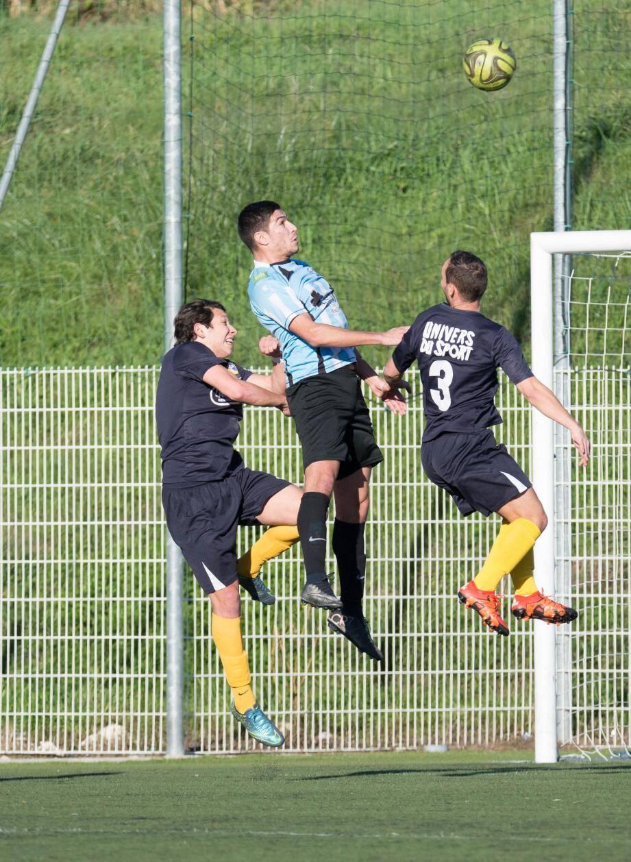 Carvalho-Dias et ses partenaires pourraient bien s'accaparer la première place, en cas de succès. Photo L.Boxitt)