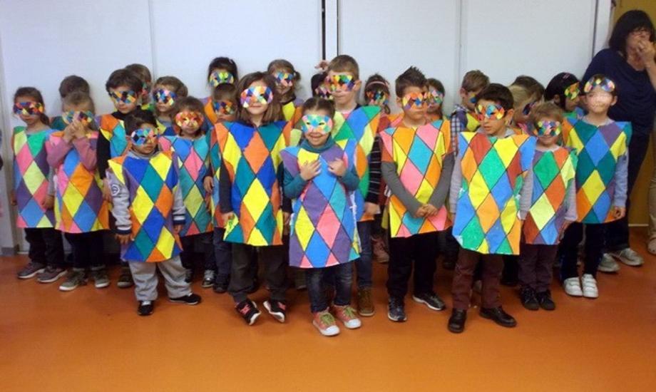 Elèves de primaire et de maternelle ont joyeusement fêté carnaval.