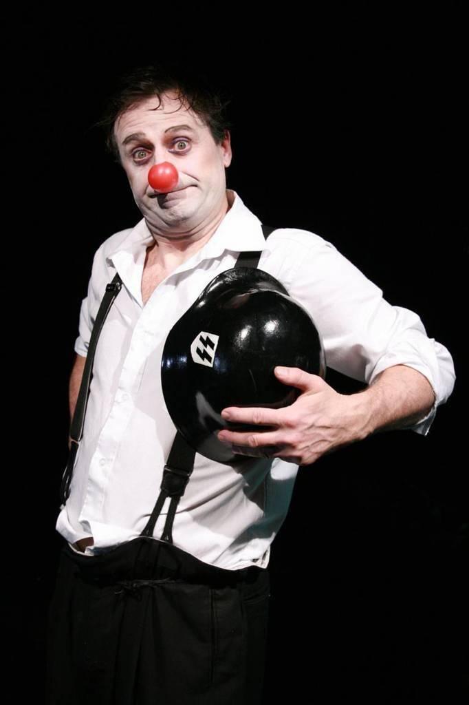 François Bourcier campe une quarantaine de rôles.