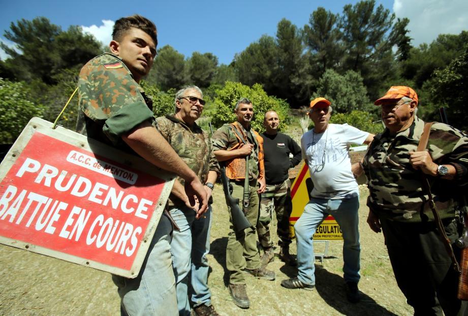 Une vingtaine de chasseurs ont investi le plateau Saint-Michel, vendredi dernier.