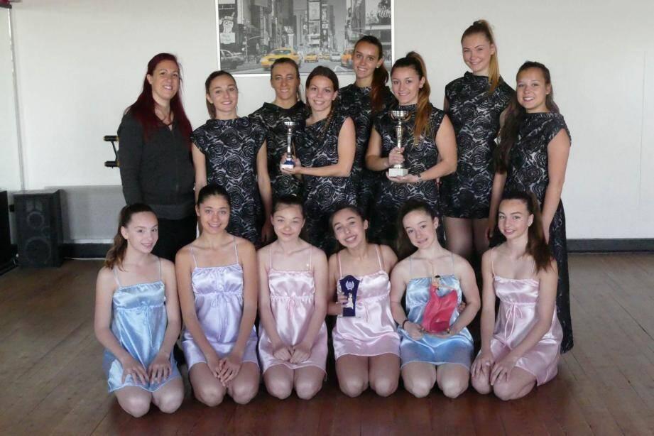 Grand sourire pour les filles de Sophie Secci lors de la présentation des récompenses.