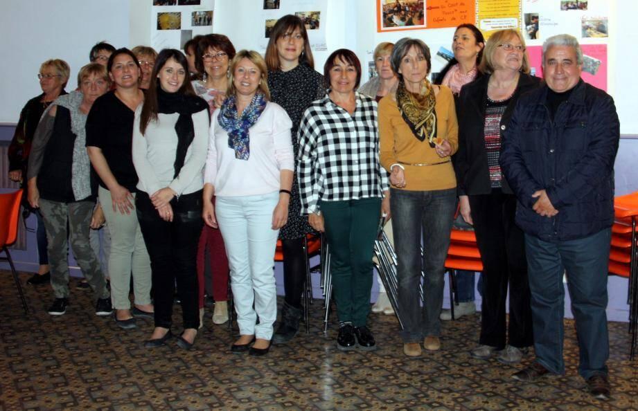 Les membres du centre social réunis pour un bilan de l'association et pour évoquer l'avenir.