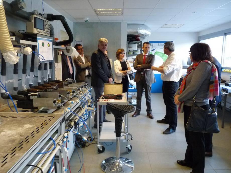 Le sous-préfet de Grasse a visité l'entreprise qui prévoit dix créations de postes en 2016.