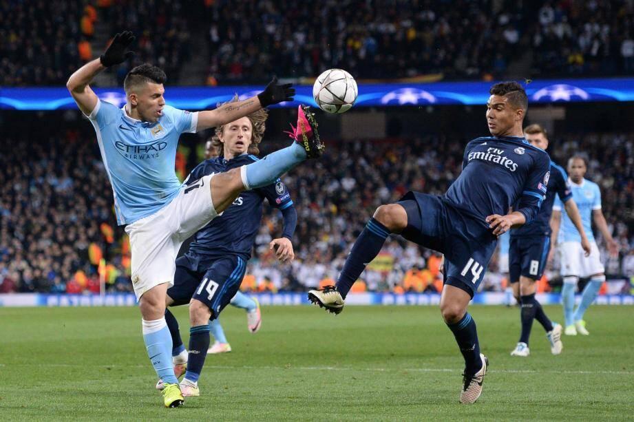 Agüero face à Modric et Casemiro : tout reste à faire.