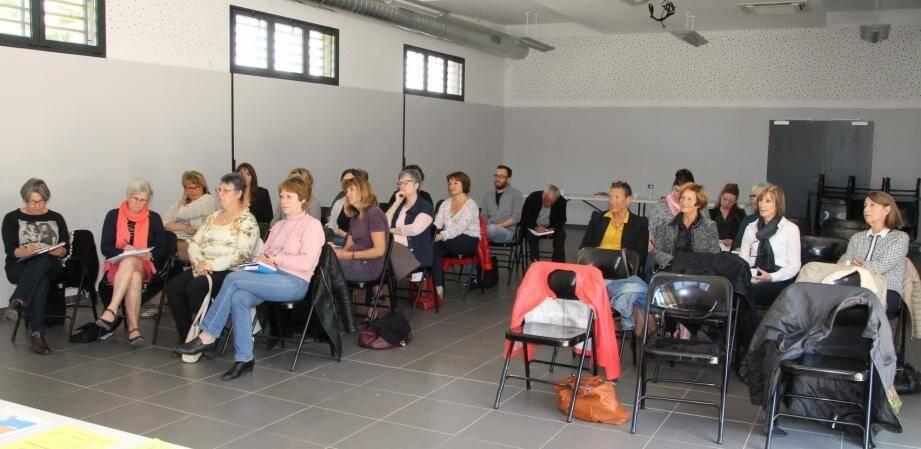 Tous les acteurs sociaux de la communauté de communes du Val d'Issole réunis à Mazaugues.