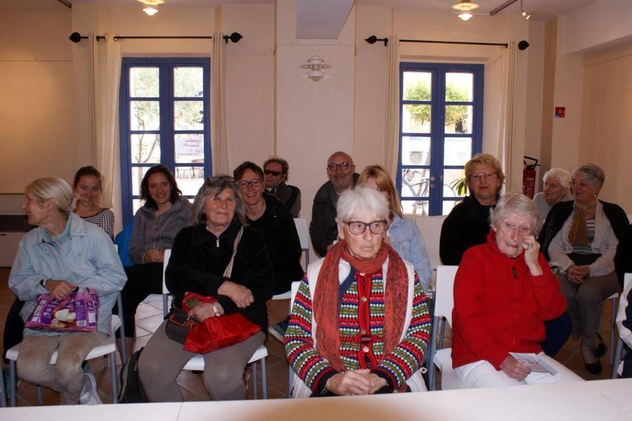 L'association prépare la fête du théâtre de samedi.