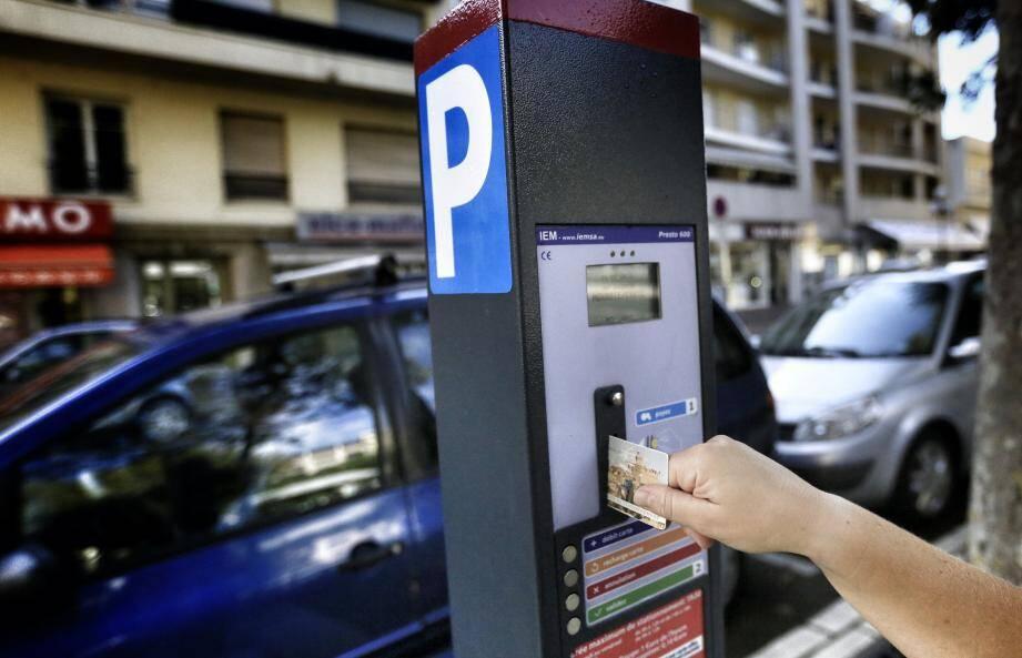 Payant ou pas, le stationnement continue d'alimenter les discussions en ville.