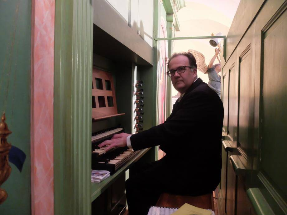 Jean-Pierre Lecaudey a su encore une fois dompter  magnifiquement l'orgue tropézien.