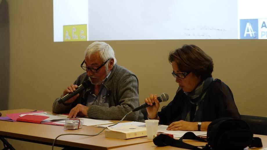 Proposée de concert par les trois associations culturelles du village, la lecture d'une nouvelle de Guillermo Martinez par Gilbert Dupisson et Anne-Marie Arnaudo, a remporté un vif succès.
