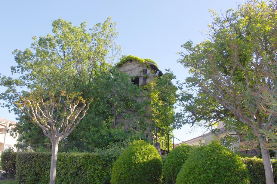 L'ancien silo à grains se trouve sur l'avenue de la Liberté.