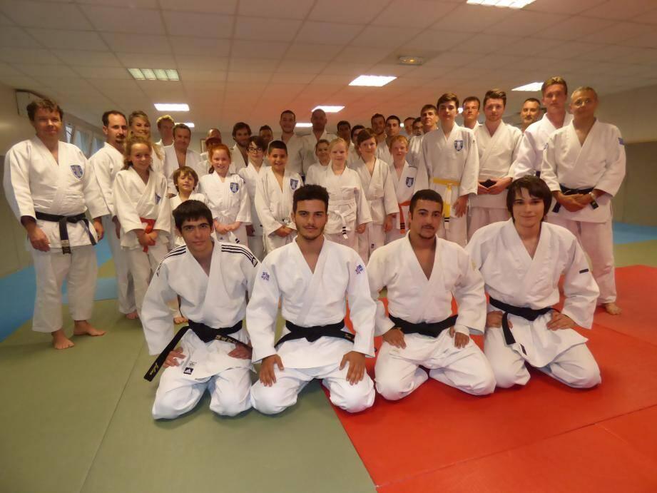 L'école de judo vençoise a aussi enregistré d'excellents résultats en compétition. (DR)