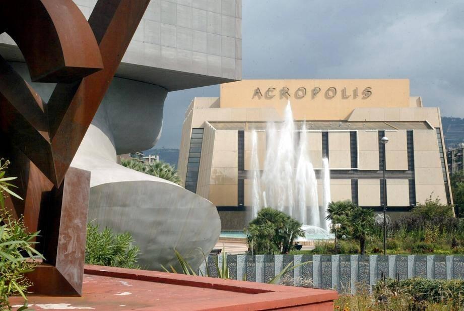 Le palais Acropolis.