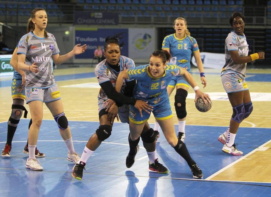 L'équipe de handball féminine de Toulon/Saint-Cyr.