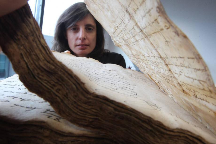 Les Archives départementales du Var, dirigées par Agnès Goudail, ont revendiqué et récupéré récemment de précieuses archives publiques, comme le minutier de Me Caron, notaire du Luc, couvrant la période 1618-1622.