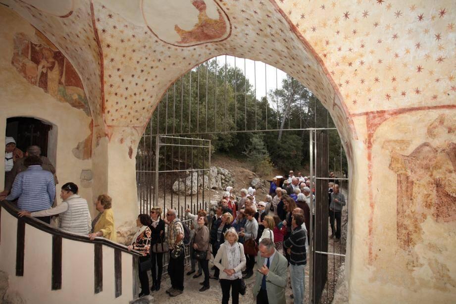 L'entrée de la chapelle que de nombreux fidèles ont tenu à visiter