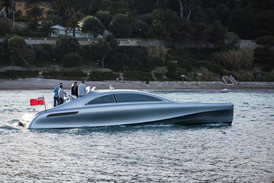 Une sortie remarquée pour ce yacht Mercedes.