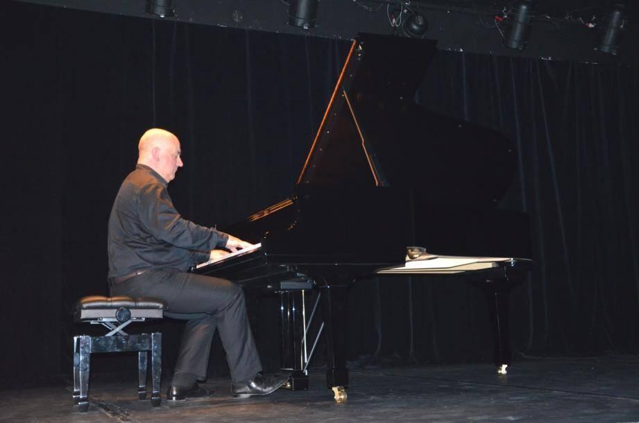 Le pianiste Hugues Leclère a clôturé le festival avec brio et virtuosité.