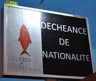 Pour le 1er avril, le publicitaire a décidé de railler le gouvernement et l'abandon de la réforme constitutionnelle.