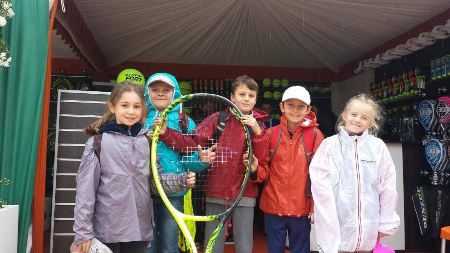 Petite photo souvenir pour cinq des sept enfants, dernièrement au tournoi de Monte-Carlo.