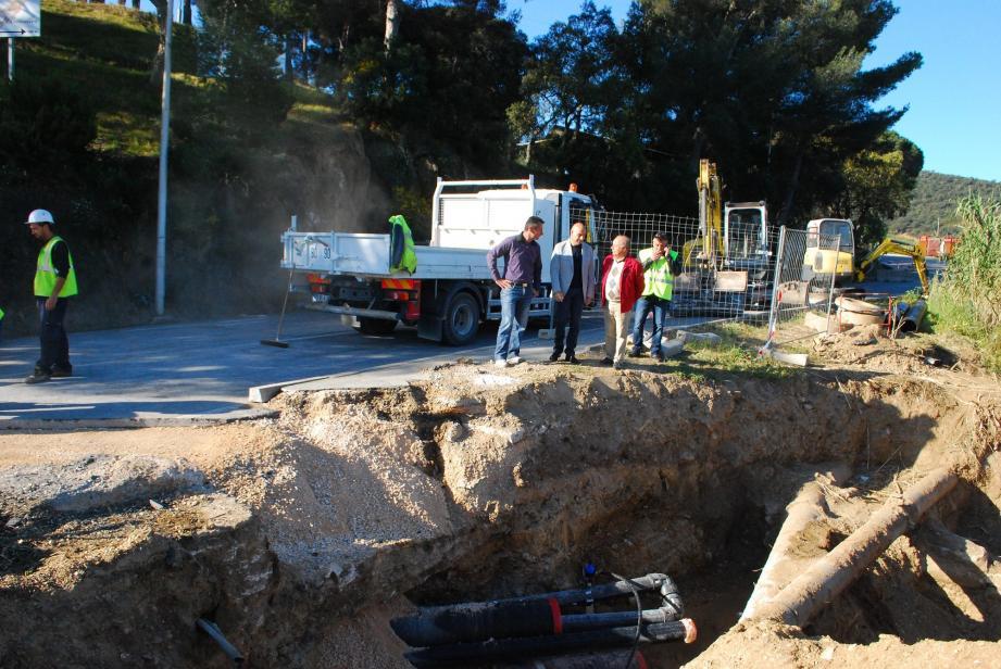 Le maire François Arizzi, son adjoint aux travaux Jérôme Massolini et Frédéric Dupied, directeur des services techniques, sont venus constater l'avancée du chantier en fin de semaine dernière.
