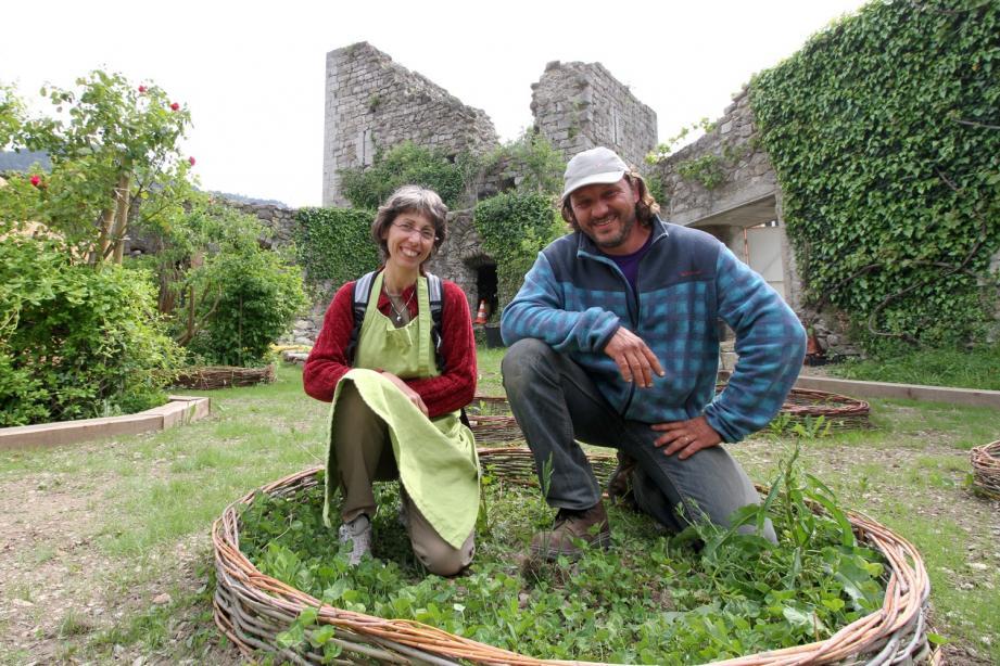 Sabine et Thierry, membres de l'association « Hort des simples ».