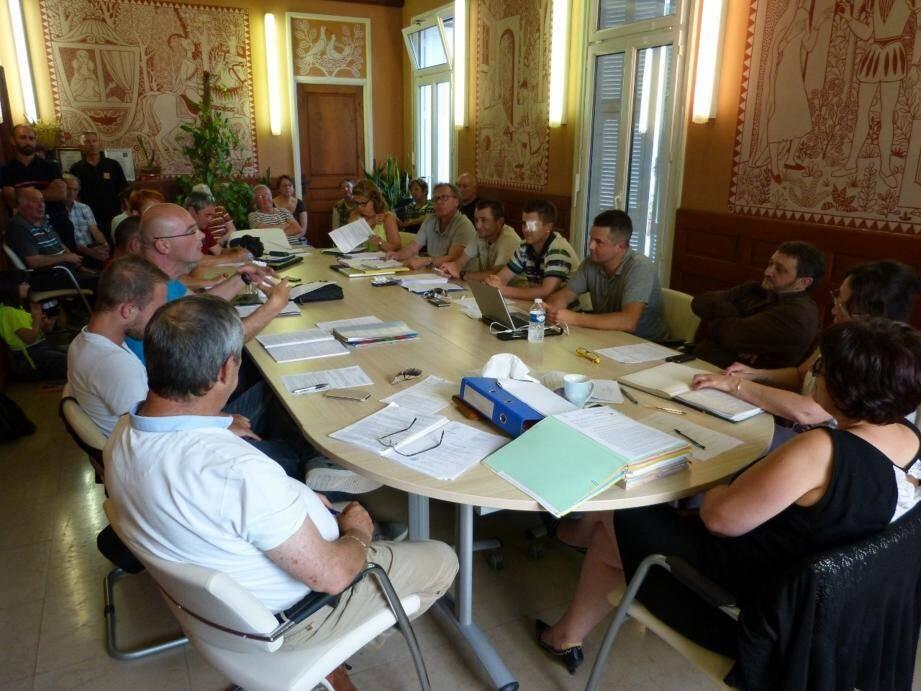 Séance de travail « budgétaire » au conseil municipal.