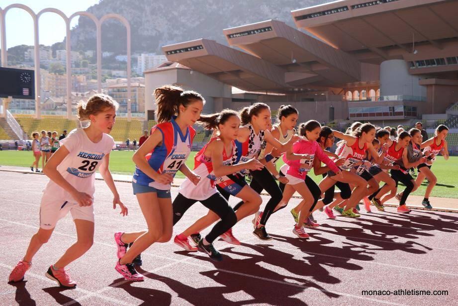 Plus de 400 athlètes ont répondu présent pour débuter la saison au stade Louis-II à l'occasion de la Journée mondiale de l'athlétisme.(DR)