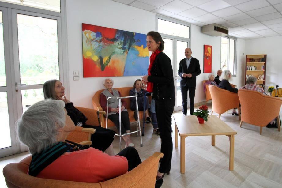 Marie-Christine Thouret, maire de Sospel, a souhaité la bienvenue aux résidents de l'Ehpad mentonnais temporairement installés dans la commune.