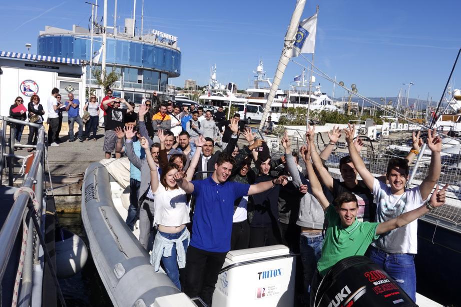 Heureux les élèves de Jacques-Dolle dont leur bateau est enfin à flot.