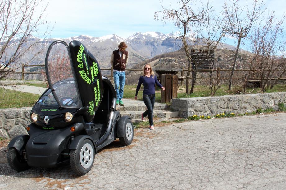 Les « Twizys  », ces voitures électriques mises en autopartage à Valberg, permettent de se déplacer dans et hors station.