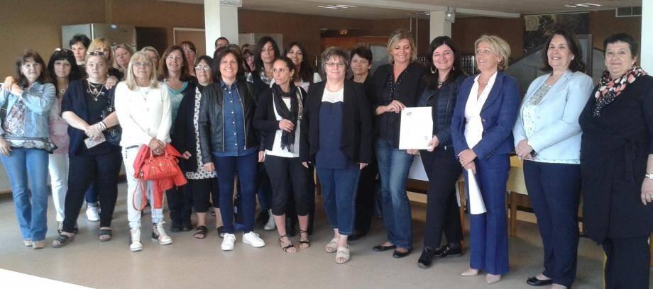 Beaucoup de satisfaction parmi les agentes félicitées par les adjointes au maire, Florence Romium et Suzanne Blondeau-Ménache.