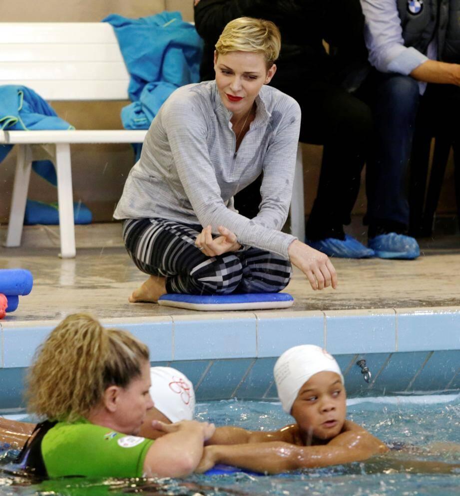 La princesse Charlène sera aujourd'hui à Santa Monica en Californie pour dispenser un cours de natation, comme elle l'avait fait en février dernier en Principauté.