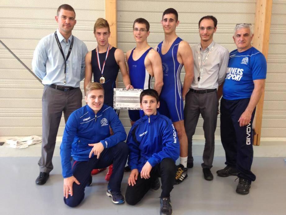 En haut de gauche à droite : Éric Vanwaelscappel, Florian Sticker, Corentin Bailet, Nathan Venet, Benjamin Bourgeois et Philippe Bahaderian. En bas : Quentin Sticker et Alain Mazaev.(D. R.)