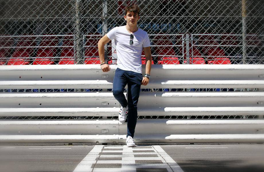 Charles Leclerc rêve de pouvoir un jour piloter une Ferrari lors d'un Grand Prix de F1, devant ses amis et dans son pays.